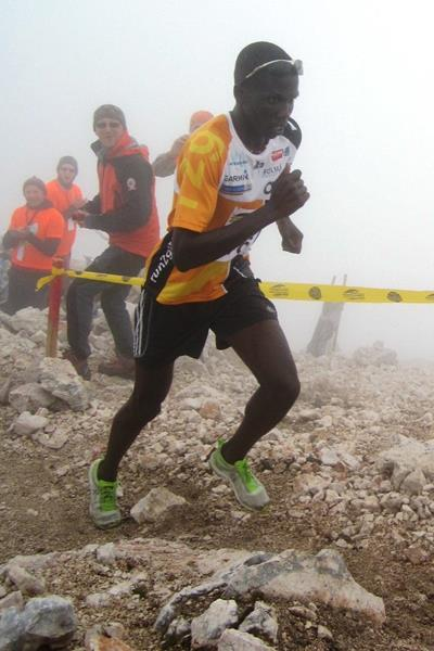 Issac Kosgei on his way to winning the 2014 Gorski tek na Grintovec mountain race (WMRA / organisers)