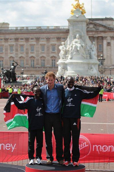 Prince Harry with London Marathon winners Mary Keitany and Wilson Kipsang (Getty Images)