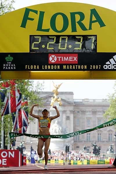 Zhou Chunxiu wins in London (Getty Images)