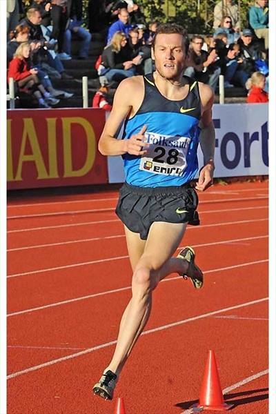 Craig Mottram running 1500m in Gothenburg (Hasse Sjögren)