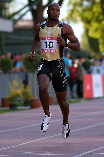 Asafa Powell looking the picture of relaxation in his 100m heat in Rieti in which he set the World record of 9.74 (Lorenzo Sampaolo)
