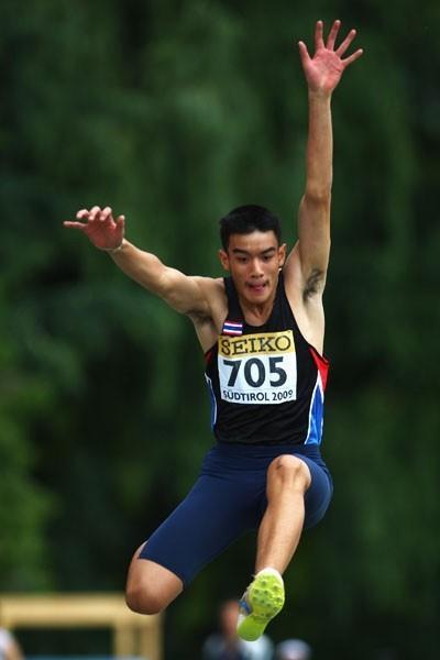 Supanara S.N.A. of Thailand wins the Boys' Long Jump final (Getty Images)