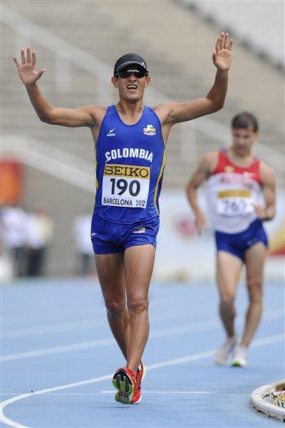 Eider Arevalo of Colombia celebrates winning the Men's 10000 metres walk on the day four of the 14th IAAF World Junior Championships (Getty Images)