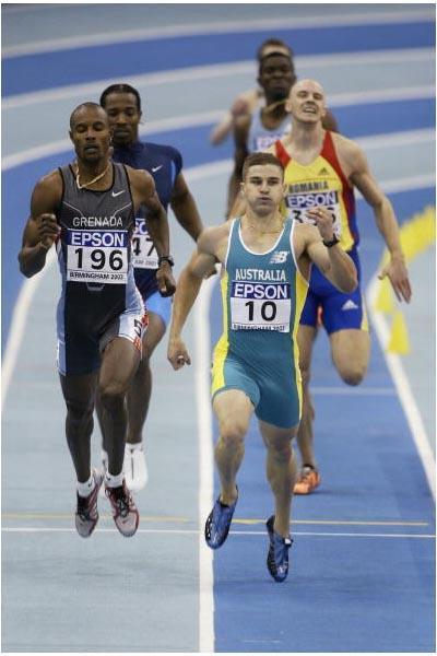 Daniel Batman (AUS) winning his 400m heat (Getty Images)