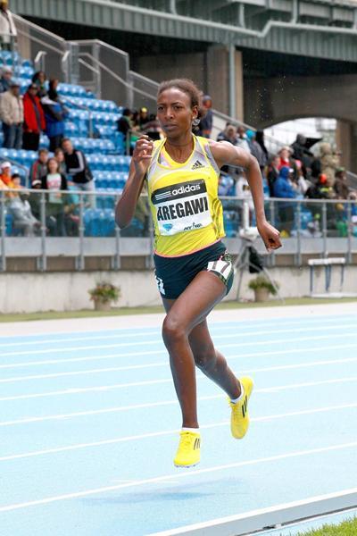 Abeba Aregawi winning at the 2013 IAAF Diamond League meeting in New York (Victah Sailer)