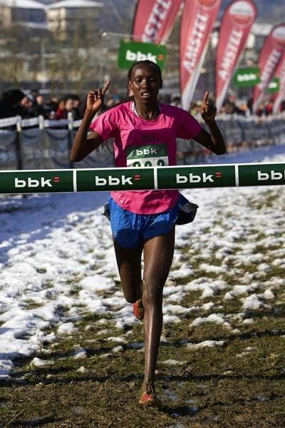 Ann Mwangi of Kenya takes the victory in Amorebieta, Spain (Unai Sasuátegui)