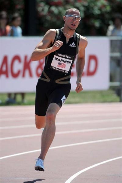Jeremy Wariner running in Carson (Kirby Lee)