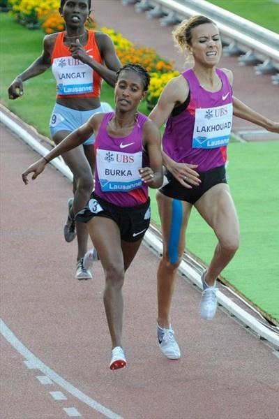 Gelete Burka edges Morocco's Btissam Lakhouad in her breakout 1500m outing in Lausanne (Deca Text&Bild)