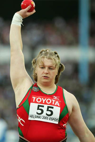 Nadezhsa Ostapchuk of Belarus wins the women's Shot Put (Getty Images)
