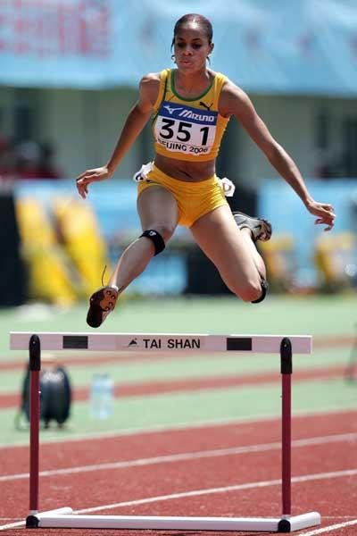 Kaliese Spencer of Jamaica competes in the women's 400m Hurdles (Getty Images)