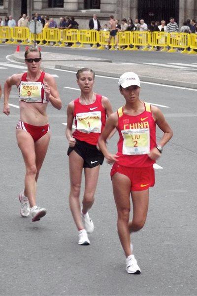 Hong Liu, Olga Kaniskina and Melanie Seeger in La Coruna (Véronique Warburton)