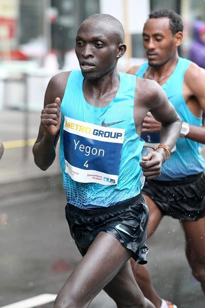 Gilbert Yegon in the 2014 Metro Group Marathon Duesseldorf (Victah Sailor / organisers)