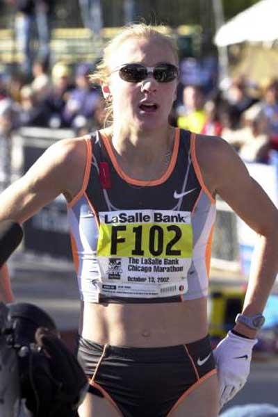 Radcliffe, task completed, after winning the Chicago Marathon (Getty Images)