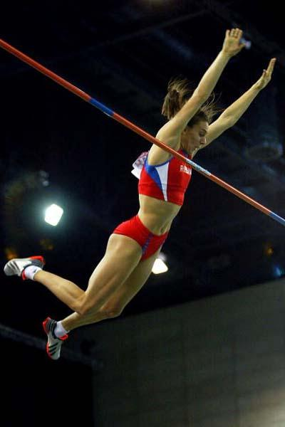 Yelena Isinbayeva (RUS) sets a new Pole Vault World record (Getty Images)