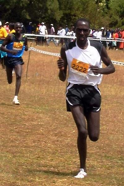Matthew Kisorio running in Eldoret in the 2009 Discovery XC (David Macharia)