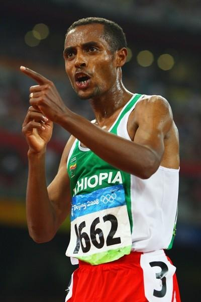 Kenenisa Bekele adds the 5000m gold to the 10,000m title he won earlier in the week (Getty Images)