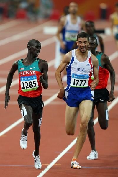 Brimin Kipruto holds off Mahiedine Mekhissi-Benabbad to win the Olympic steeplechase title (Getty Images)