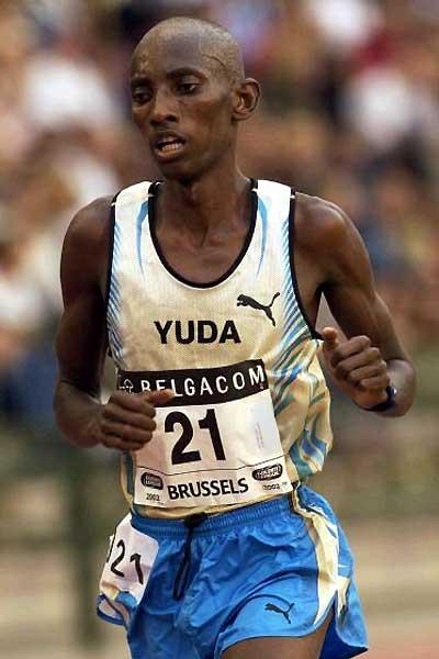 John Yuda of Tanzania running 10,000m in Brussels - 2002 (Getty Images)