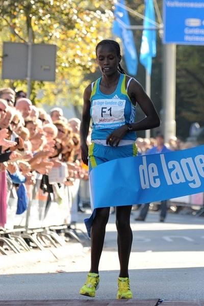 Easy win for Atsede Habtamu in Eindhoven (Nico Delmeire)