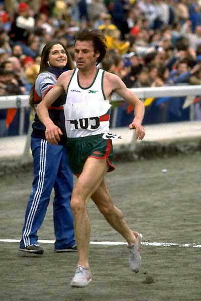 Carlos Lopes (POR) - 1984 World XC (Getty Images)