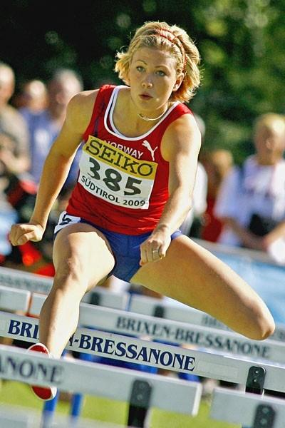 Isabelle Pedersen of Norway in action (PHOTO PLOHE)