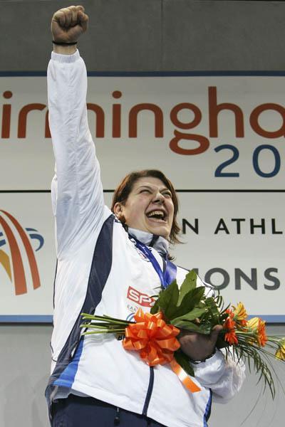 Assunta Legnante of Italy celebrates Shot Put gold in Birmingham (Getty Images)