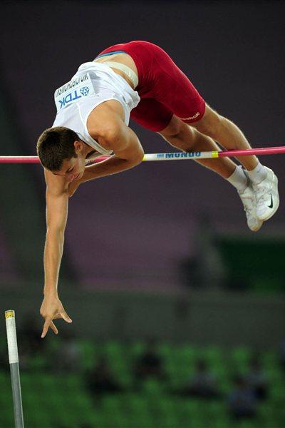 Pawel Wojciechowski of Poland wins the Pole Vaut final in Daegu (Getty Images)