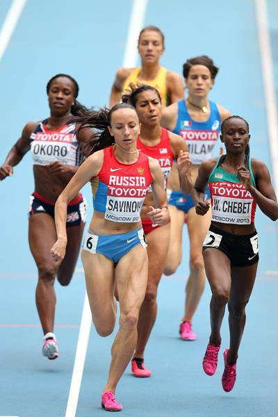 Mariya Savinova and Brenda Martinez in the womens 800m at the IAAF World Championships Moscow 2013 (Getty Images)