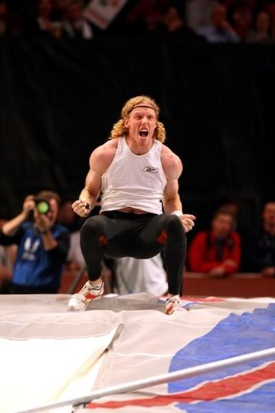 Steve Hooker after his 6.01m clearance in New York (Victah Sailer)