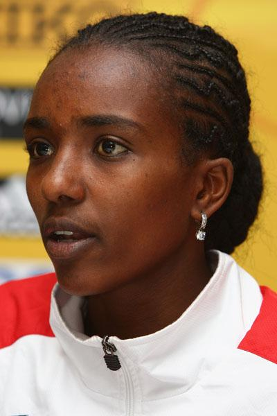 Tirunesh Dibaba (ETH) at the IAAF press conference in Edinburgh (Getty Images)