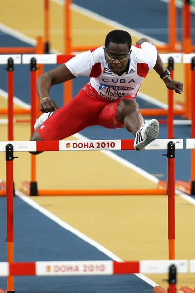 Sprint hurdler Dayron Robles in action (Getty Images)