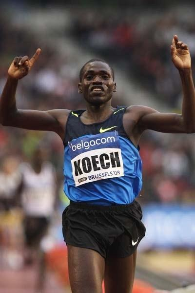 Paul Kipsiele Koech of Kenya celebrates winning the Men's 3000m Steeplechase (Getty Images)