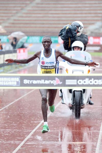 Kiprop Limo wins the Stramilano Half Marathon (Giancarlo Colombo)