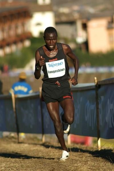Impressive performance by Thomas Longosiwa at the Cross della Vallagarina (Lorenzo Sampaolo)
