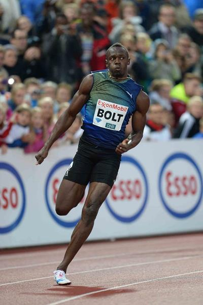 Usain Bolt winning the 200m at the 2013 IAAF Diamond League meeting in Oslo (Jiro Mochizuki)