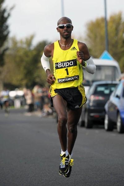 Mo Farah on his way to victory in Portsmouth at the 2009 Great South Run (Mark Shearman)