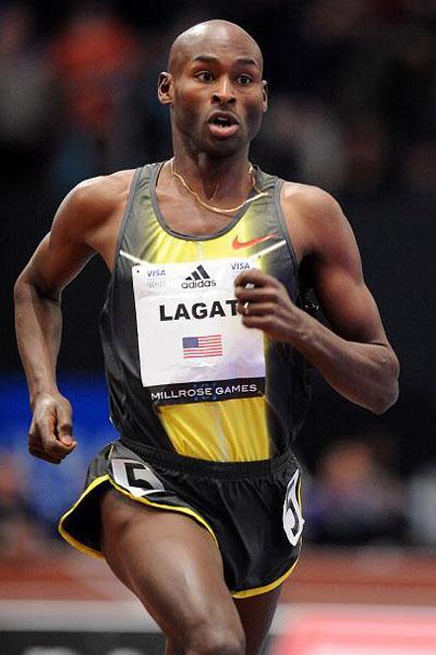 Bernard Lagat en route to sixth career Millrose Games win in 2008 (Kirby Lee)