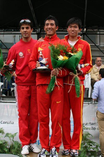 La Coruna men's podium: runner-up Miguel Angel Lopez (ESP), winner Li Jianbo (CHN) and third place finisher Yu Wei (CHN) (La Coruna organisers)