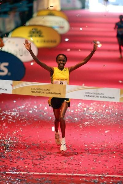 Agnes Kiprop of Kenya wins 2009 Frankfurt Marathon (Victah Sailer)