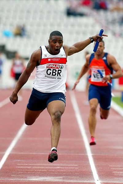 Mark Lewis-Francis anchors GBR home in the 4x100m (Getty Images)