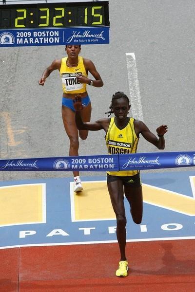 Salina Kosgei edges Dire Tune to win the 113th Boston Marathon (Getty Images)