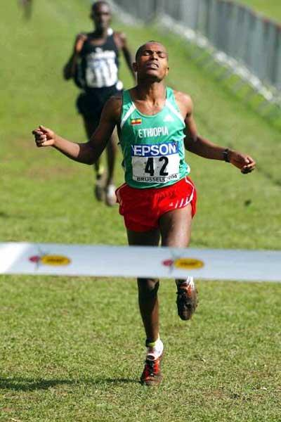 Meba Tadesse (ETH) wins the junior men's race (Getty Images)
