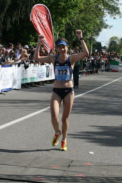 Amy Sproston (USA) running at the 26th IAU World and Championships (Jan Vandendriessche)