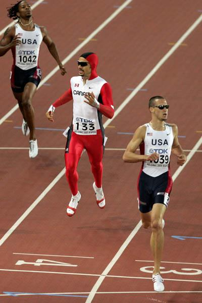 Jeremy Wariner wins the men's 400m (Getty Images)