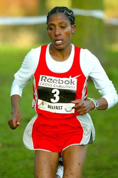 Etalemahu Kidane of Ethiopia wins the Belfast Cross Country (Mark Shearman)