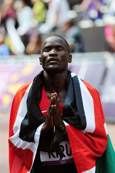 Abel Kirui of Kenya reacts as he wins silver in the Men's Marathon  the London 2012 Olympic Games at The Mall on August 12, 2012 (Getty Images)