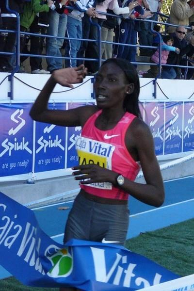 Linet Masai taking a big victory in Llodio (Miguel Alfambra)