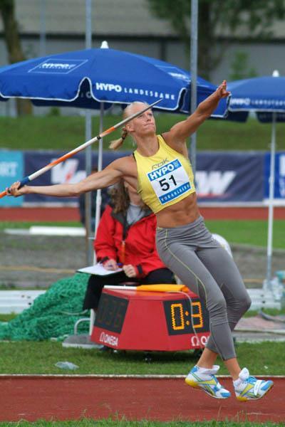 Carolina Klüft unleashing a personal best in the Javelin in Gotzis (Lorenzo Sampaolo)