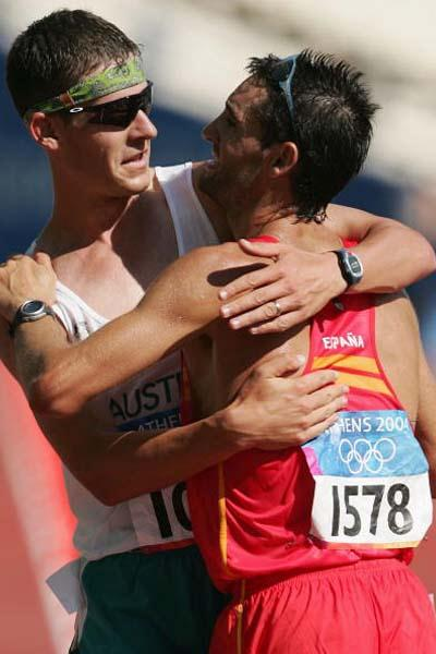 Francisco Fernandez and Nathan Deakes celebrate winning silver and bronze in the men's 20km walk (Getty Images)