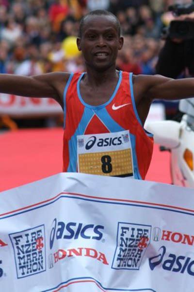 Paul Kipkemboi Ngeny winning in Florence (Lorenzo Sampaolo)